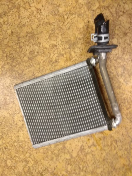 Радиатор печки Toyota Sai AZK10 2AZ-FXE 2011