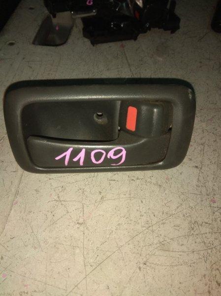 Ручка двери внутренняя Toyota Sprinter AE111 передняя правая