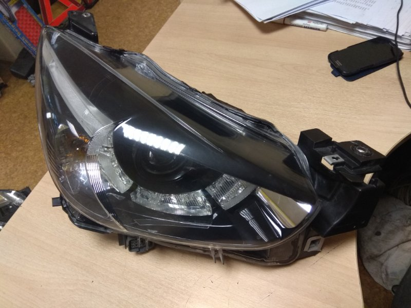 Фара Mazda Demio DJ3AS передняя правая