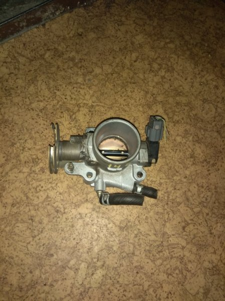 Дроссельная заслонка Mazda Demio DW3W B3
