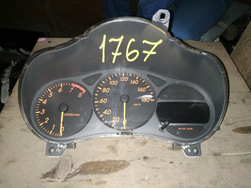 Панель приборов Toyota Celica ZZT230 1ZZ-FE