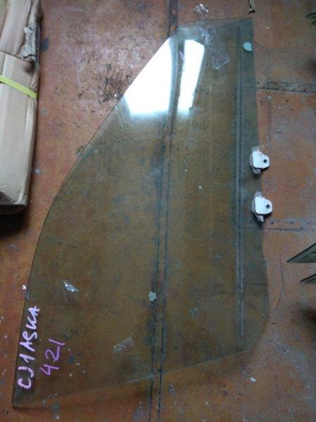 Стекло двери Isuzu Aska CJ1A переднее правое
