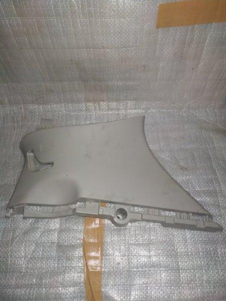 Обшивка багажника Honda Vezel RU1 задняя правая
