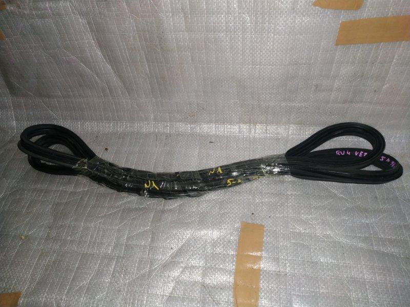 Уплотнительная резинка багажника Honda Vezel RU1 LEB задняя