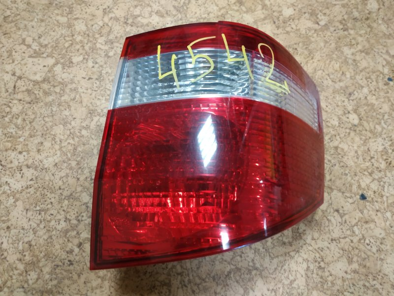 Стоп-сигнал Toyota Alphard MNH15 задний правый