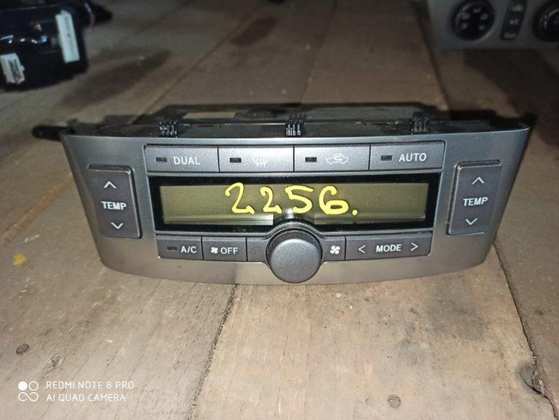 Блок управления климат-контролем Toyota Avensis AZT250