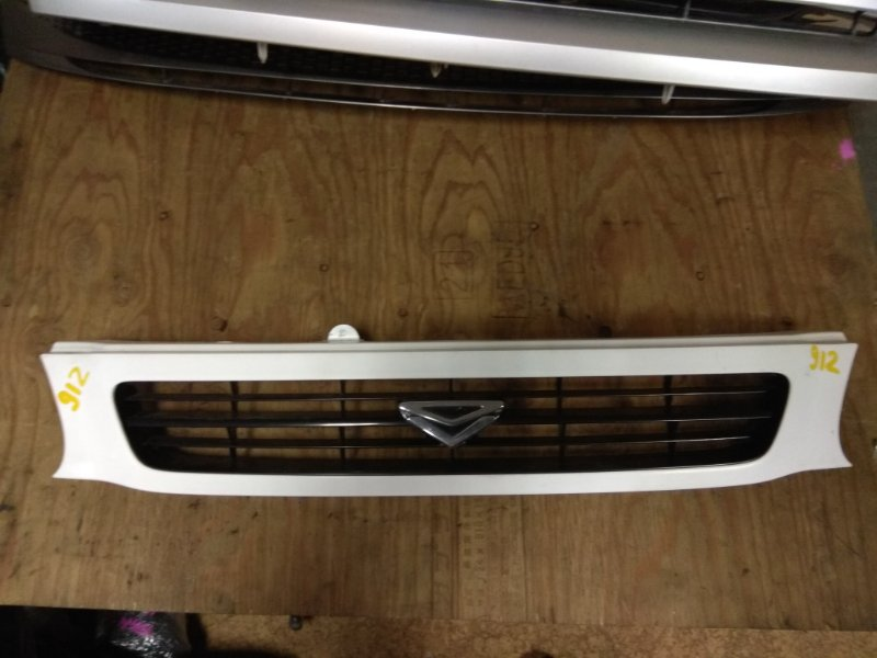 Решетка радиатора Toyota Tercel EL51