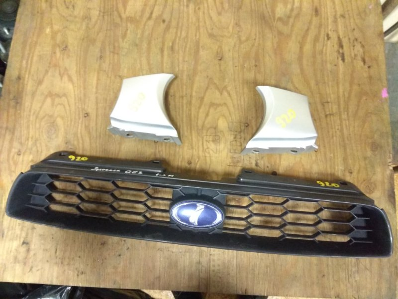 Решетка радиатора Subaru Impreza GG2