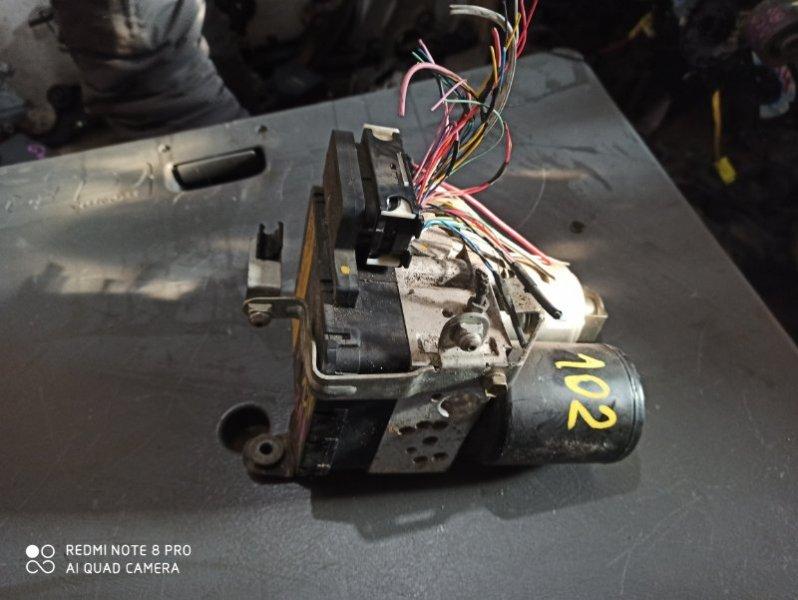 Блок abs Toyota Prius NHW20 1NZ-FXE