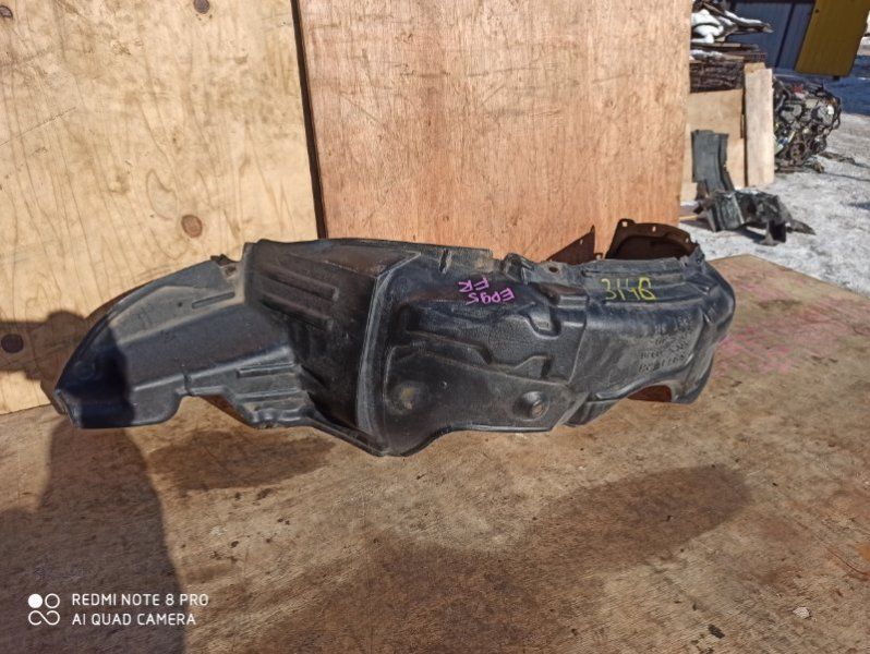 Подкрылок Toyota Starlet EP91 передний правый