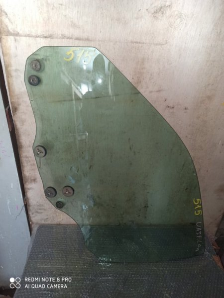 Стекло двери Honda Saber UA3 переднее левое