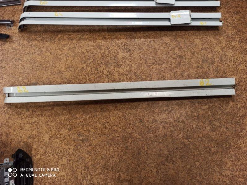 Полозья для сдвижной двери Toyota Hiace KDH205 задняя левая