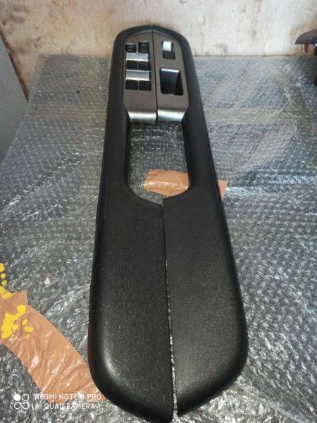 Блок упр. стеклоподьемниками Nissan X-Trail NT30 передний