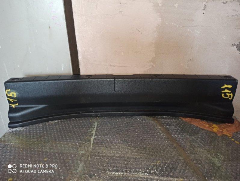 Накладка замка багажника Suzuki Aerio RA21