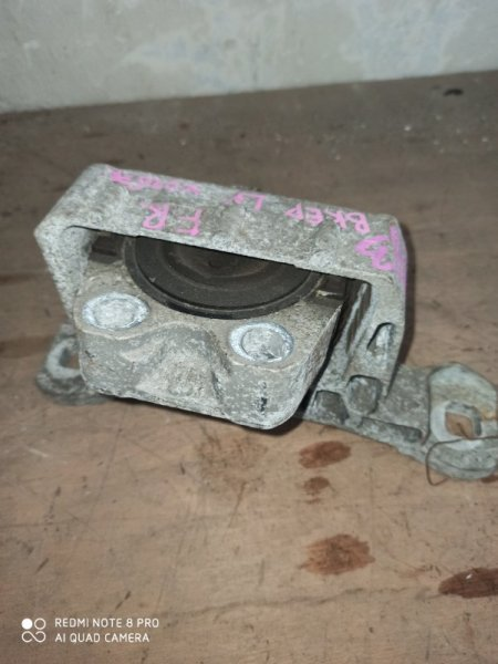 Подушка двигателя Mazda Axela BKEP LF передняя правая