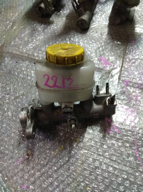 Главный тормозной цилиндр Nissan Bluebird Sylphy QG10