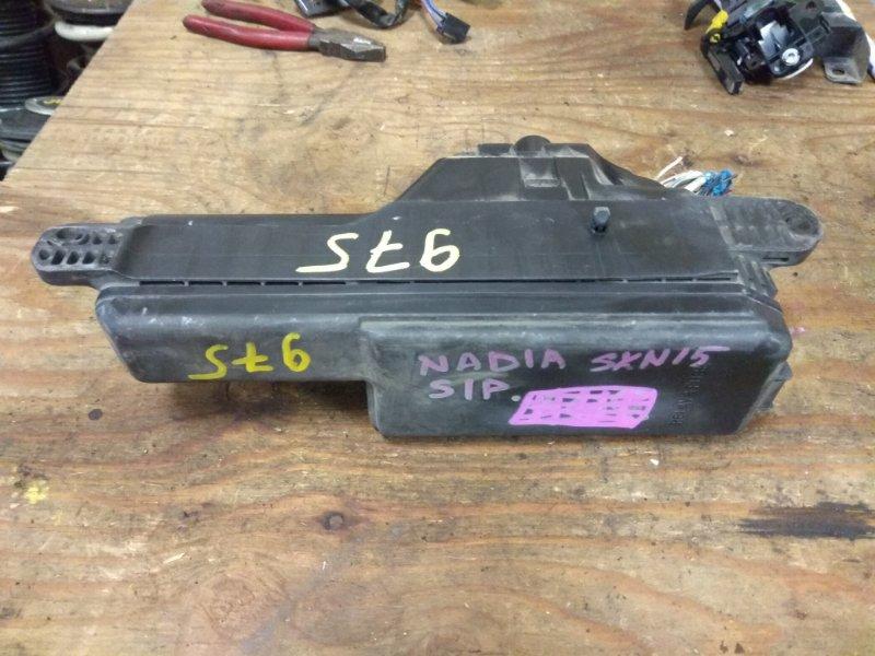 Блок предохранителей Toyota Nadia SXN15 3S-FE