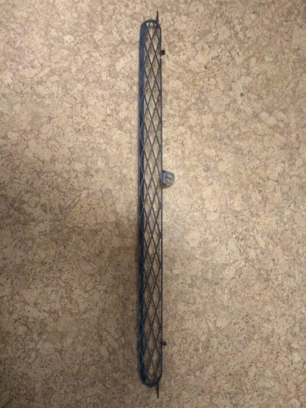 Решетка радиатора Toyota Funcargo NCP20