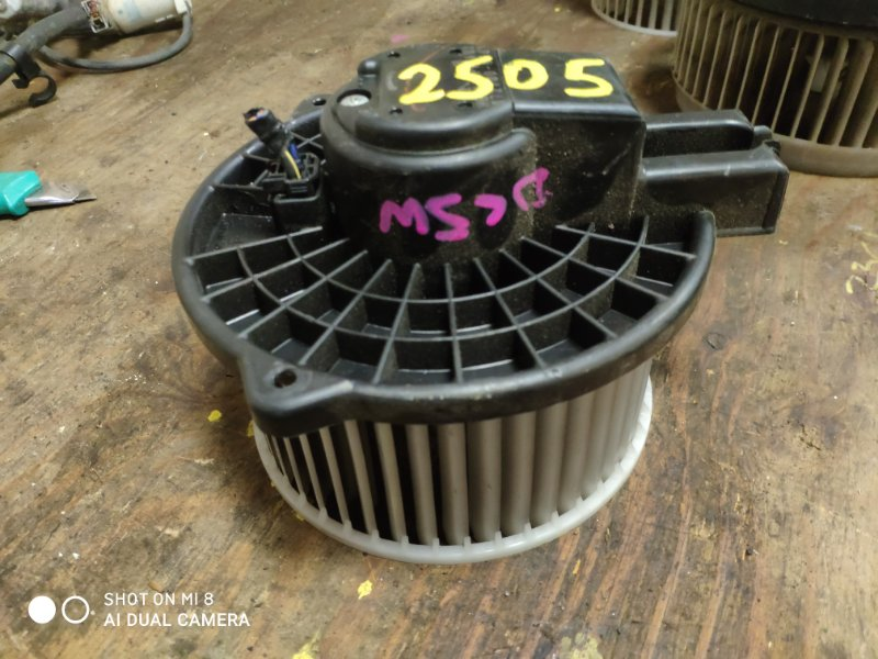 Мотор печки Mazda Verisa DY3W