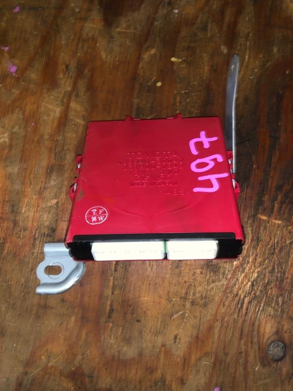 Электронный блок Toyota Crown Majesta UZS186 3UZ-FE