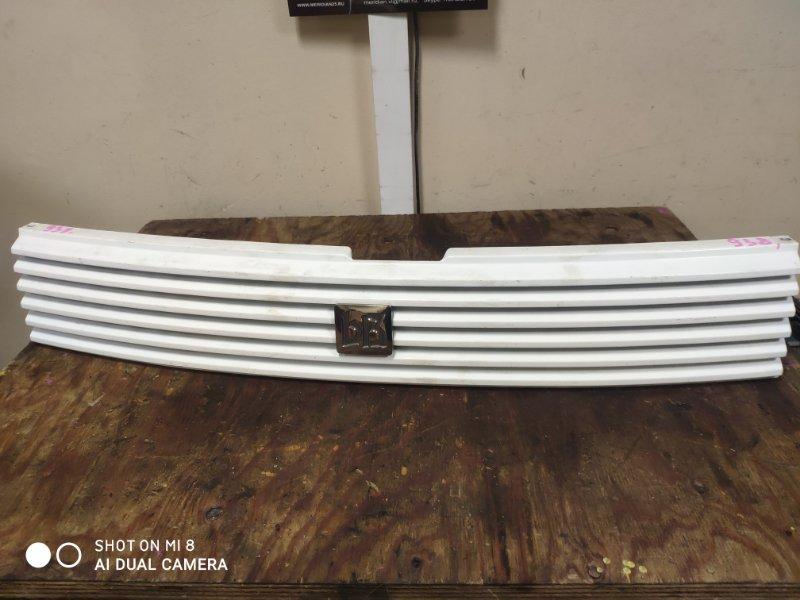 Решетка радиатора Toyota Bb NCP30