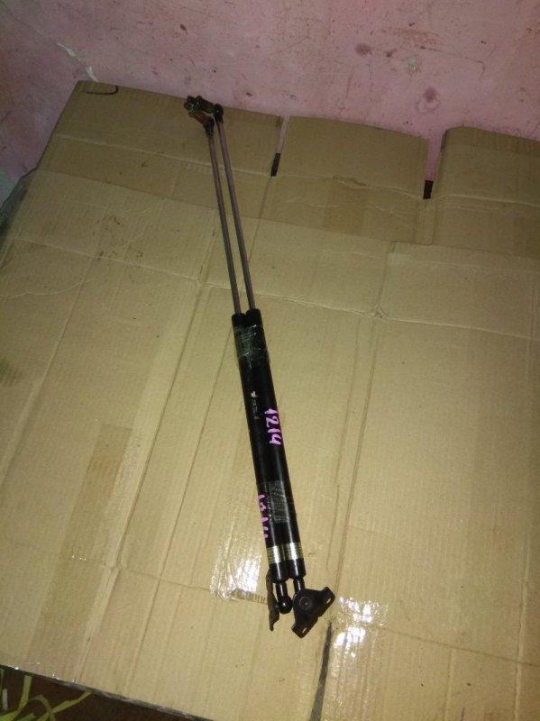 Амортизатор 5-ой двери Mitsubishi Lancer Cedia CS5W
