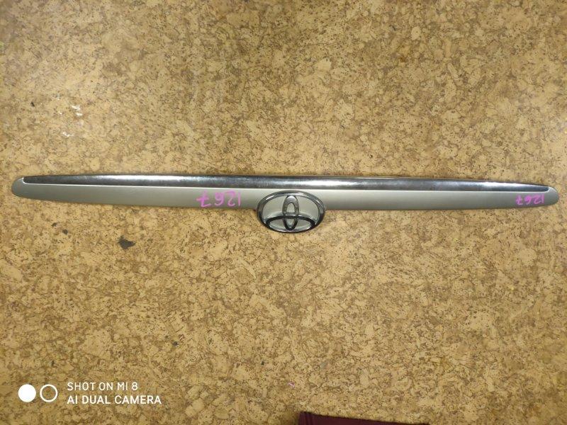 Вставка между стопов Toyota Mark Ii GX110 задняя