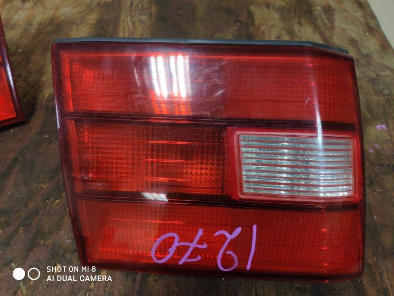 Вставка между стопов Toyota Celsior UCF20 1UZ задняя левая