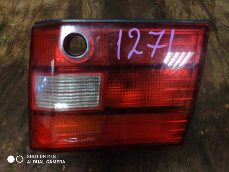 Вставка между стопов Toyota Celsior UCF20 1UZ задняя правая