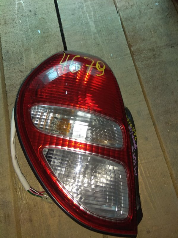 Стоп-сигнал Daihatsu Storia M100A задний левый