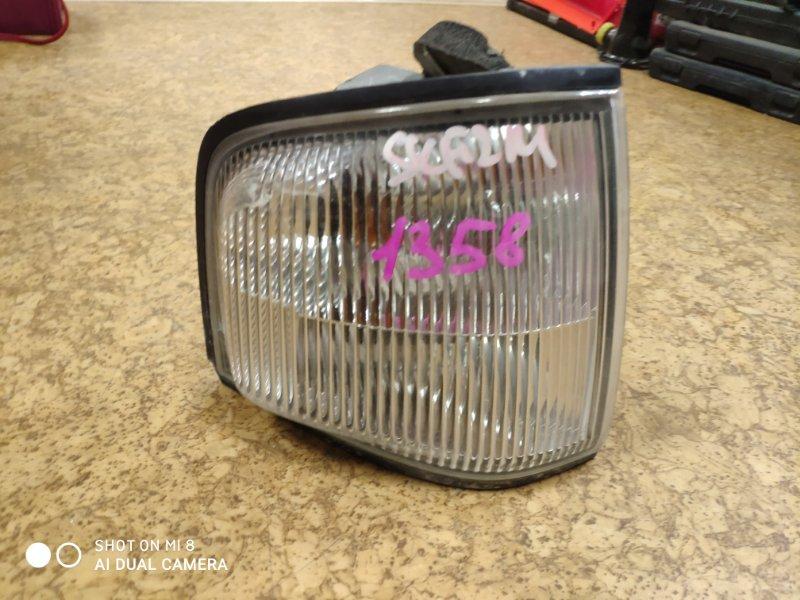 Габарит Nissan Vanette SK22MN передний правый