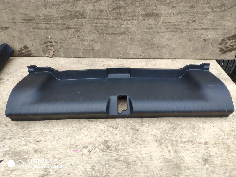 Накладка замка багажника Honda Grace GM4 LEB