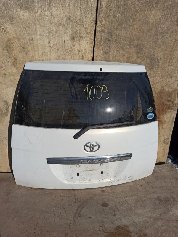 Дверь задняя Toyota Isis ANM10 задняя