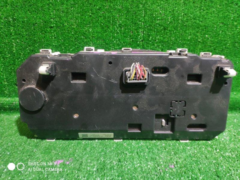 Панель приборов Suzuki Solio MA15S