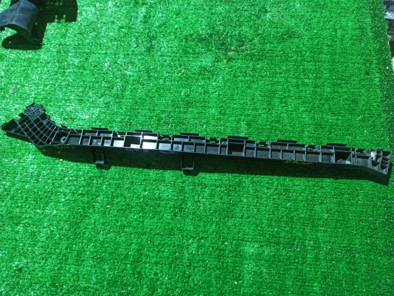 Крепеж бампера Honda Shuttle GP7 LEB задний правый