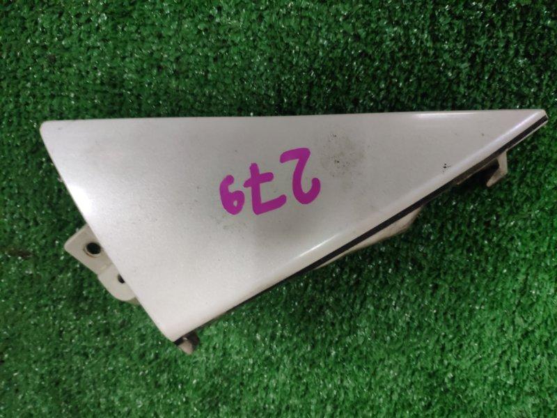Накладка на крыло Nissan Elgrand ME51 правая