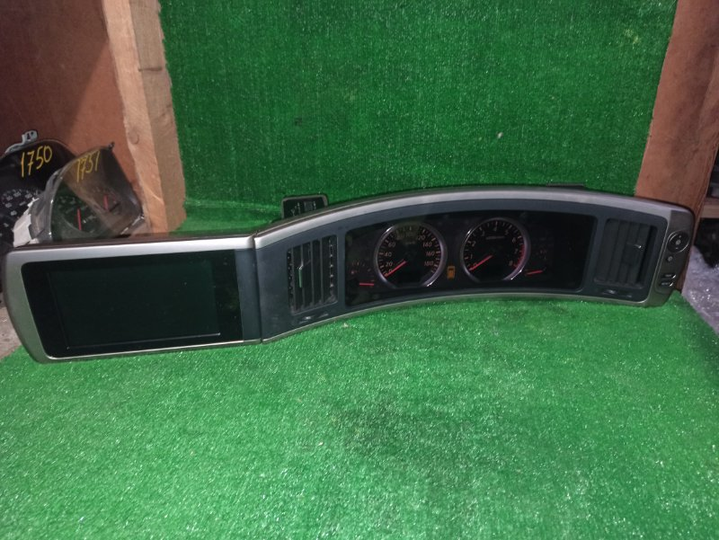 Панель приборов Nissan Elgrand MNE51