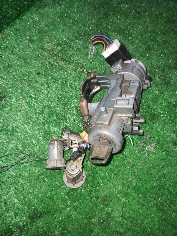 Замки комплект Nissan Bongo SK82M