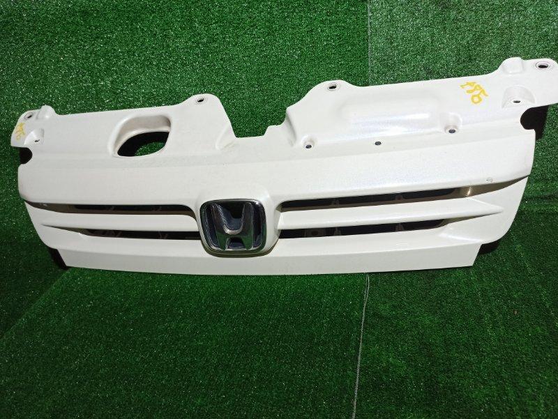 Решетка радиатора Honda Stepwgn RF3