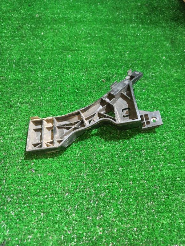 Крепеж бампера Mazda Axela BK3P передний правый