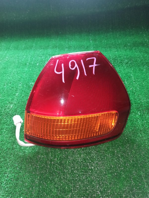 Стоп-сигнал Nissan Wingroad Y11 задний правый