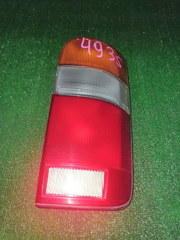 Стоп-сигнал Toyota Hiace TRH124 задний правый