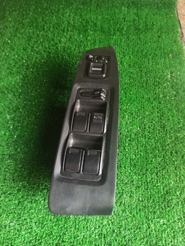Блок упр. стеклоподьемниками Honda Accord CF6 передний правый