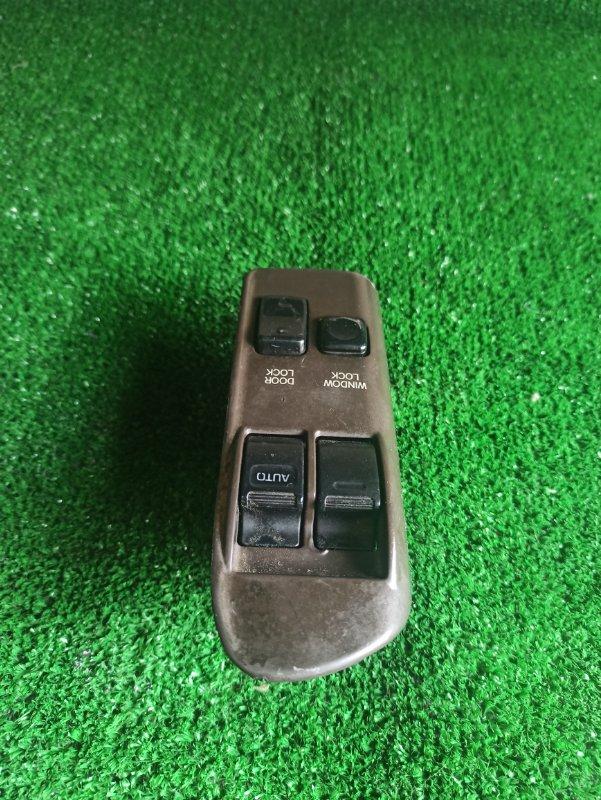 Блок упр. стеклоподьемниками Toyota Hiace LH104 передний правый