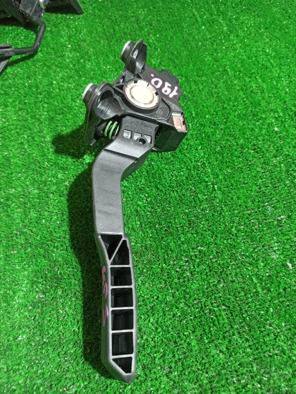 Педаль газа Honda Fit GP5 LEB