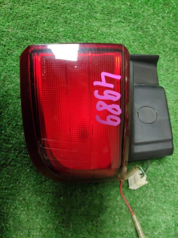 Стоп-сигнал Nissan Elgrand E51 правый