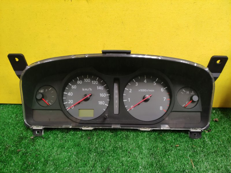 Панель приборов Nissan Serena TNC24 QR20