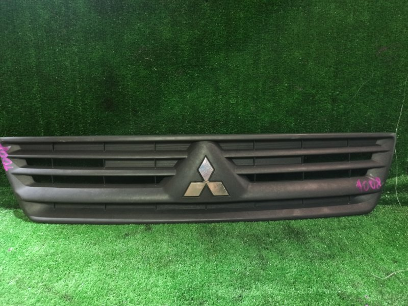 Решетка радиатора Mitsubishi Lancer Cedia CS2V