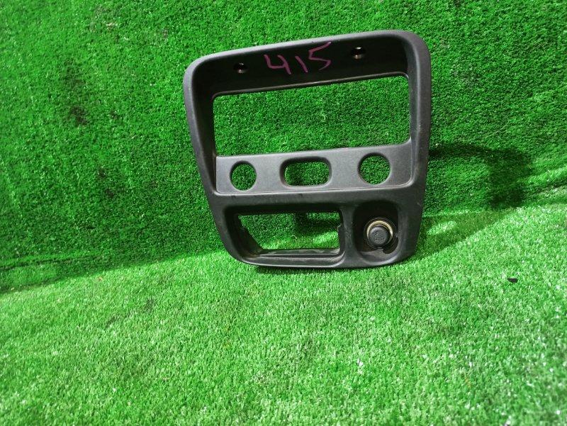 Консоль магнитофона Suzuki Swift HT51S