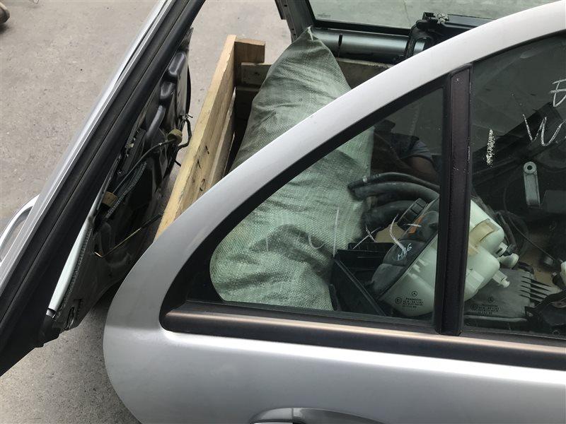 Форточка двери Mercedes-Benz C-Class W203 W203 111.955 2002 задняя правая